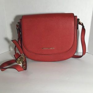 Micheal Kors cross body saffiano